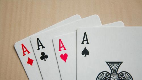 Poker in Print: Mengoptimalkan Ace King (2018)