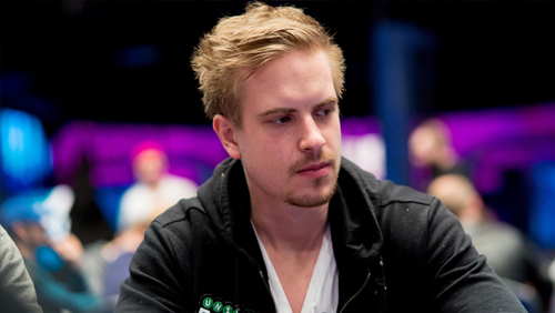 Viktor Blom memimpin Seri Poker Central Super High Bowl Online