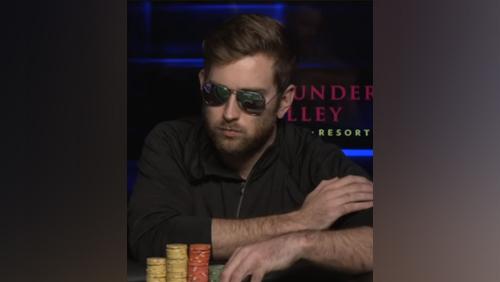 Connor Drinan memenangkan WSOP Super JUTA $ seharga $ 1,4 Juta