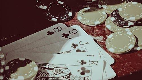 Poker-on0Screen-The-Cincinnati Kid-(1965) -min