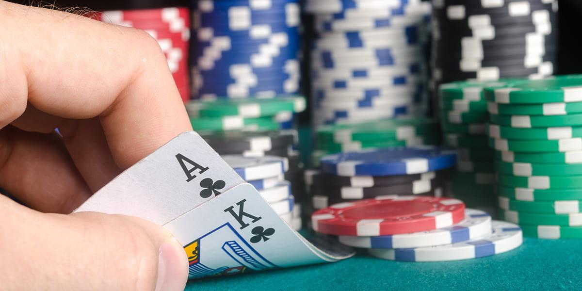 Kisah Poker Tahun Ini: MacDaddy dari semua Kemenangan Gelang