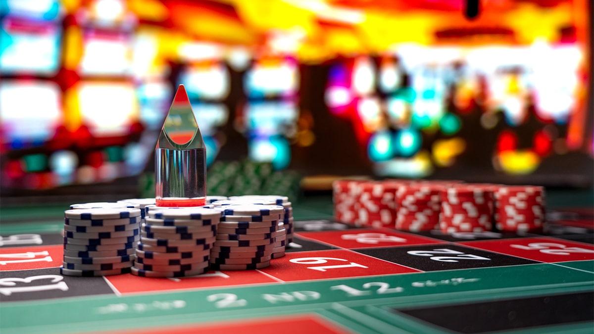 Schwimer menyerang - bintang bisbol meninggalkan High Stakes Poker